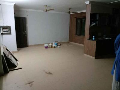 Gallery Cover Image of 2000 Sq.ft 3 BHK Apartment for rent in Jakhan for 18000