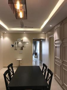 Gallery Cover Image of 3600 Sq.ft 6 BHK Independent House for buy in Sector 44 for 45000000