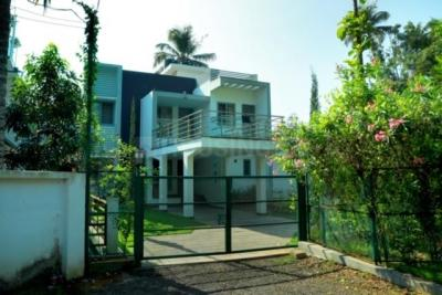 Gallery Cover Image of 1500 Sq.ft 3 BHK Villa for rent in Thevara for 45000
