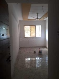 Gallery Cover Image of 750 Sq.ft 2 BHK Apartment for rent in Golf Green for 10000