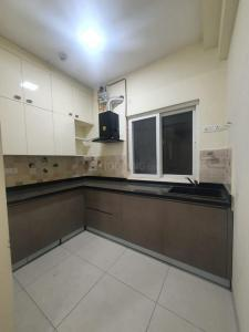 Gallery Cover Image of 750 Sq.ft 1 BHK Apartment for rent in Salarpuria Cadenza, Kudlu Gate for 22000
