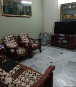 Gallery Cover Image of 994 Sq.ft 2 BHK Apartment for buy in  SSVK Sadhana Apartment, Ambattur for 4270000