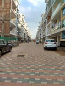 Gallery Cover Image of 950 Sq.ft 1 BHK Apartment for buy in Dhakoli for 2600000