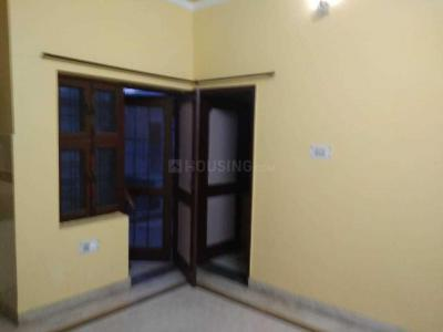 Gallery Cover Image of 430 Sq.ft 1 RK Apartment for rent in Sector 14 for 12000