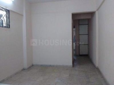 Gallery Cover Image of 500 Sq.ft 1 BHK Apartment for rent in Kandivali West for 20000