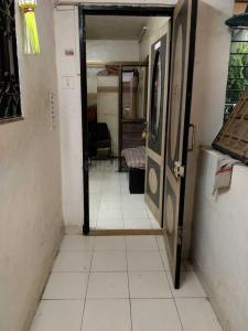 Gallery Cover Image of 275 Sq.ft 1 BHK Apartment for rent in Vile Parle East for 25000