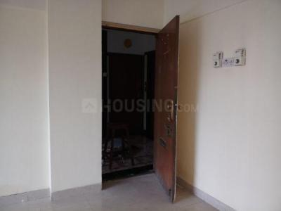 Gallery Cover Image of 820 Sq.ft 2 BHK Apartment for rent in Kandivali East for 24500