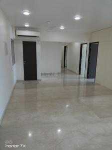 Gallery Cover Image of 2500 Sq.ft 4 BHK Apartment for rent in Andheri West for 180000