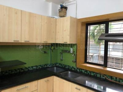 Gallery Cover Image of 850 Sq.ft 2 BHK Apartment for rent in Bandra West for 85000