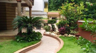 Gallery Cover Image of 4800 Sq.ft 4 BHK Independent House for rent in Koramangala for 200000