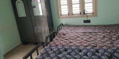 बिकासीपुरा में लेडिज पीजी में बेडरूम की तस्वीर