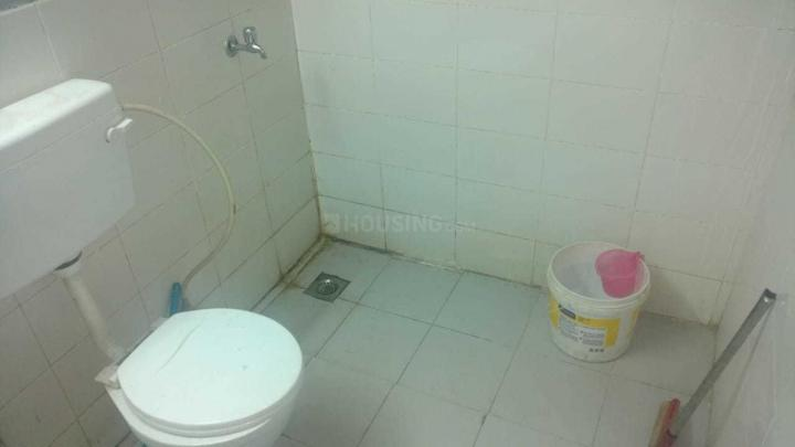 Common Bathroom Image of 300 Sq.ft 1 BHK Apartment for rent in Sector 37C for 8000