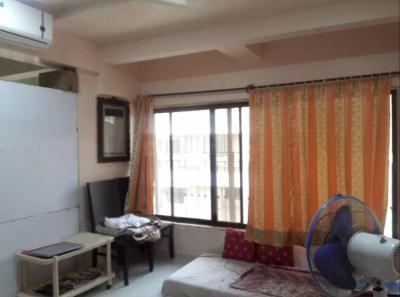 Gallery Cover Image of 350 Sq.ft 1 RK Apartment for rent in Andheri West for 18000