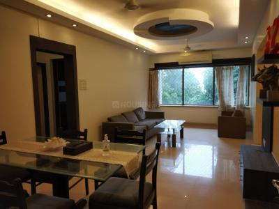 Gallery Cover Image of 900 Sq.ft 2 BHK Apartment for rent in Bandra West for 130000