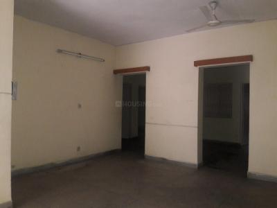 Gallery Cover Image of 1750 Sq.ft 4 BHK Apartment for rent in Sarita Vihar for 32000