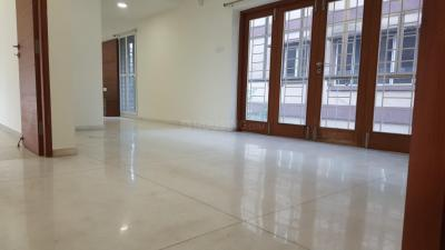 Gallery Cover Image of 2401 Sq.ft 3 BHK Apartment for rent in Adyar for 65000