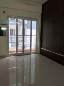 Gallery Cover Image of 1113 Sq.ft 2 BHK Apartment for rent in Agrahara for 14000