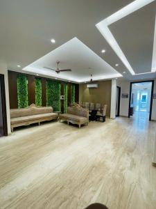 Gallery Cover Image of 2000 Sq.ft 3 BHK Independent Floor for buy in Sector 67 for 17000000