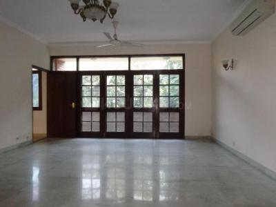 Gallery Cover Image of 4000 Sq.ft 3 BHK Independent Floor for rent in West End for 200000