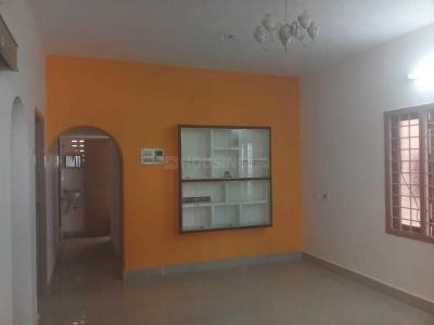 Gallery Cover Image of 870 Sq.ft 2 BHK Apartment for rent in Ramapuram for 12000