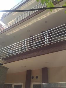 Gallery Cover Image of 4320 Sq.ft 6 BHK Independent House for buy in DLF Phase 3 for 32500000