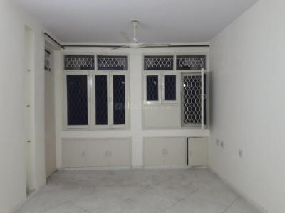 Gallery Cover Image of 1350 Sq.ft 3 BHK Apartment for rent in Sector 14 Rohini for 32000