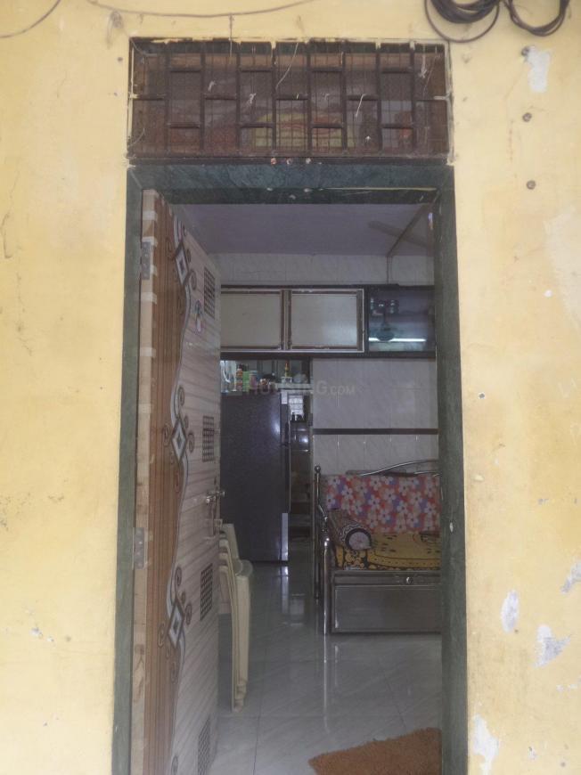 Main Entrance Image of 350 Sq.ft 1 RK Apartment for rent in Vikhroli East for 13000