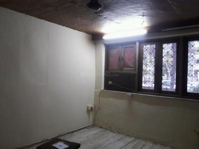 Gallery Cover Image of 650 Sq.ft 1 BHK Apartment for rent in Bandra East for 30000