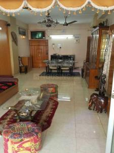 Gallery Cover Image of 950 Sq.ft 2 BHK Apartment for rent in Gariahat for 38000