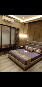 Gallery Cover Image of 560 Sq.ft 1 BHK Apartment for buy in Jogeshwari West for 6400000