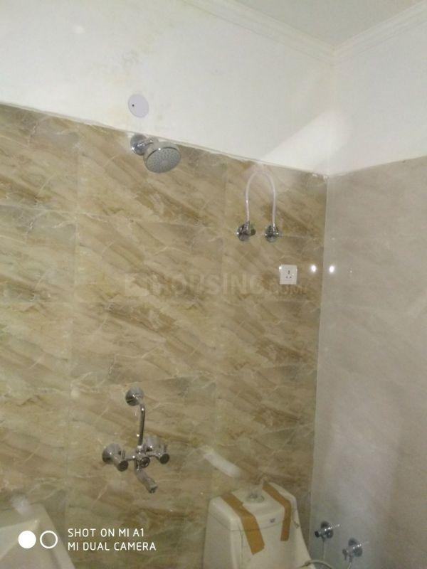 Common Bathroom Image of 900 Sq.ft 2 BHK Independent Floor for buy in Noida Extension for 1950000