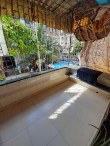 Gallery Cover Image of 750 Sq.ft 1 BHK Apartment for rent in Seawoods for 17000