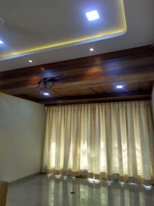 Gallery Cover Image of 1050 Sq.ft 2 BHK Apartment for rent in Lokhandwala Complex, Andheri West for 65000