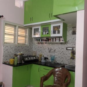 Gallery Cover Image of 500 Sq.ft 1 BHK Independent Floor for rent in Rajajinagar for 9000