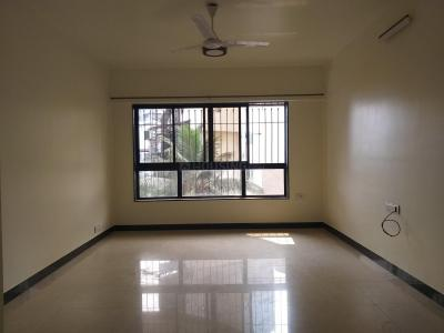 Gallery Cover Image of 1800 Sq.ft 3 BHK Apartment for rent in Juhu for 100000