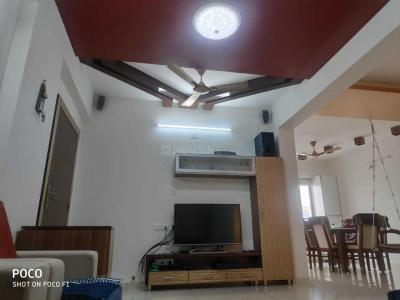 Gallery Cover Image of 2100 Sq.ft 3 BHK Apartment for rent in Soham Dev Solitaire, Prahlad Nagar for 45000