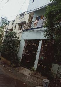 Gallery Cover Image of 1650 Sq.ft 2 BHK Villa for buy in Velachery for 27500000