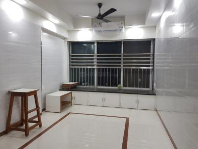 Gallery Cover Image of 740 Sq.ft 1 BHK Apartment for rent in Mulund East for 28000