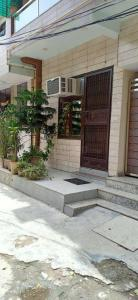 Gallery Cover Image of 800 Sq.ft 2 BHK Independent Floor for buy in Vasundhara for 3500000