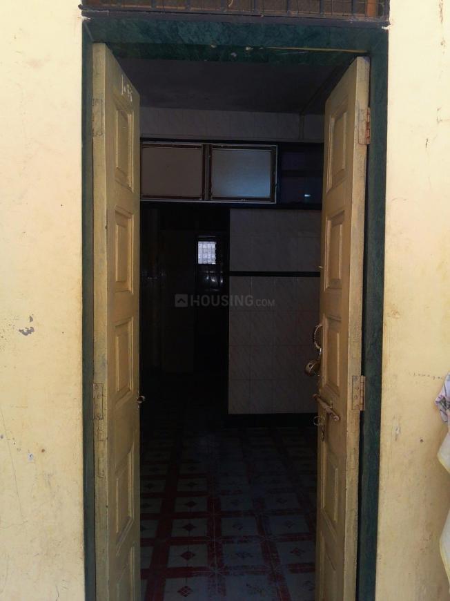Main Entrance Image of 350 Sq.ft 1 RK Apartment for buy in Vikhroli East for 5500000
