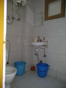 Bathroom Image of PG 4036260 Arjun Nagar in Arjun Nagar