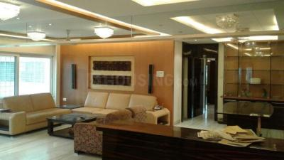 Gallery Cover Image of 2400 Sq.ft 4 BHK Apartment for rent in Goregaon East for 110000