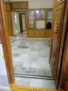 Gallery Cover Image of 760 Sq.ft 2 BHK Apartment for rent in RV Heights, Pragathi Nagar for 12000