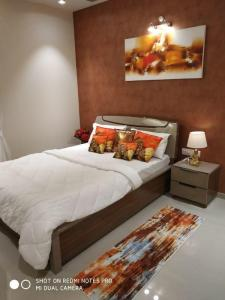 Gallery Cover Image of 908 Sq.ft 2 BHK Apartment for buy in Maan for 5500000