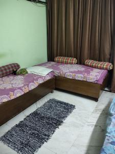 Gallery Cover Image of 1400 Sq.ft 3 BHK Independent Floor for buy in Said-Ul-Ajaib for 6500000