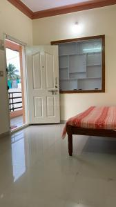 Gallery Cover Image of 600 Sq.ft 1 BHK Independent Floor for rent in Domlur Layout for 15000