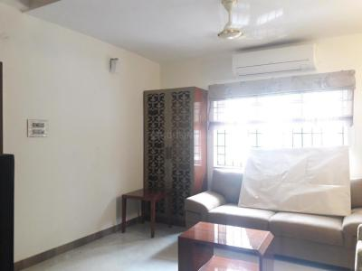 Gallery Cover Image of 1000 Sq.ft 1 BHK Apartment for rent in Ramapuram for 30000