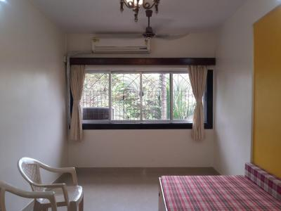 Gallery Cover Image of 690 Sq.ft 1 BHK Apartment for rent in Khar Danda for 45000