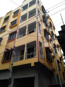 Gallery Cover Image of 900 Sq.ft 2 BHK Independent Floor for buy in Dum Dum Cantonment for 2340000