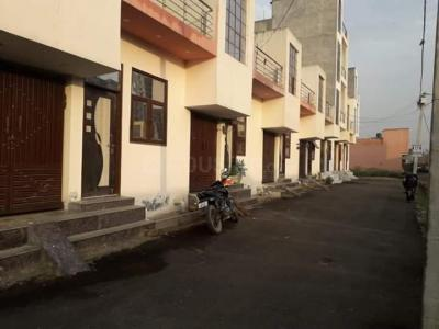 Gallery Cover Image of 625 Sq.ft 2 BHK Independent House for buy in Lal Kuan for 2300000